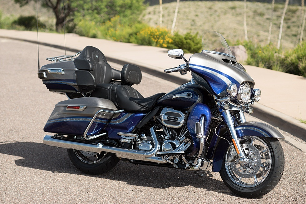 2016 Harley-Davidson CVO™ Limited in Erie, Pennsylvania