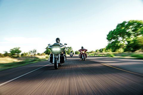 2016 Harley-Davidson CVO™ Road Glide™ Ultra in Broadalbin, New York