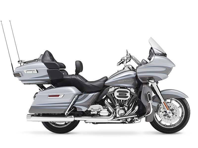 2016 Harley-Davidson CVO™ Road Glide™ Ultra in Branford, Connecticut