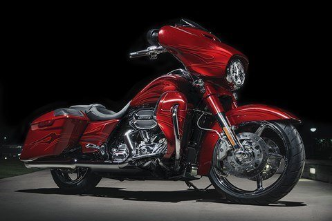2016 Harley-Davidson CVO™ Street Glide® in Waterford, Michigan