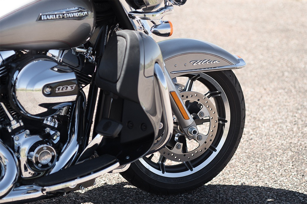 2016 Harley-Davidson Electra Glide® Ultra Classic® Low in Erie, Pennsylvania