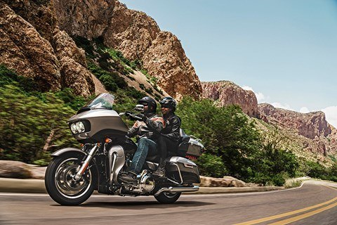 2016 Harley-Davidson Road Glide® Ultra in Rothschild, Wisconsin