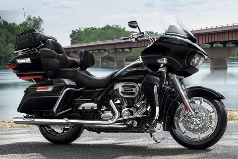 2016 Harley-Davidson Road Glide® Ultra in The Woodlands, Texas - Photo 2