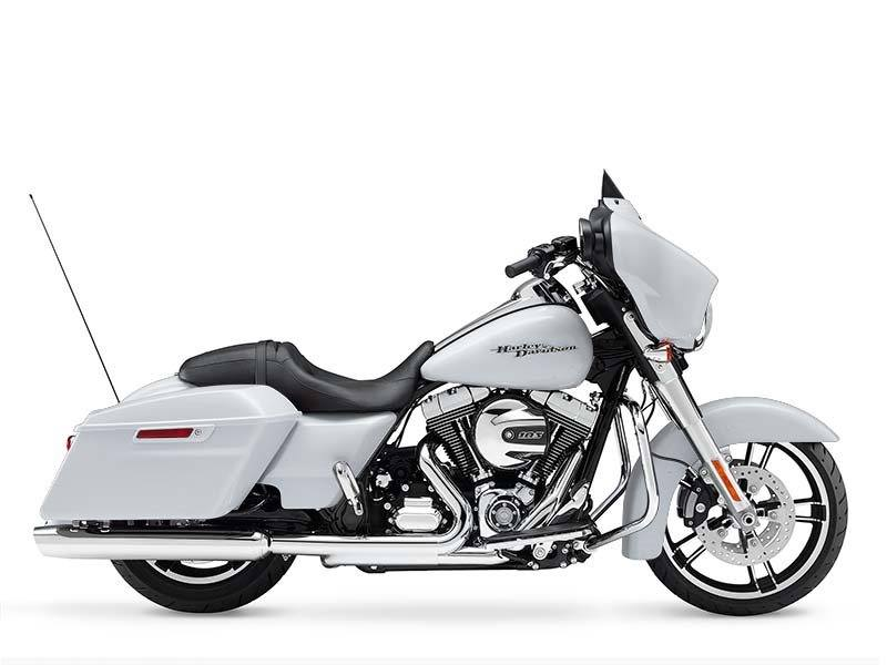 2016 Harley-Davidson Street Glide® in Johnstown, Pennsylvania