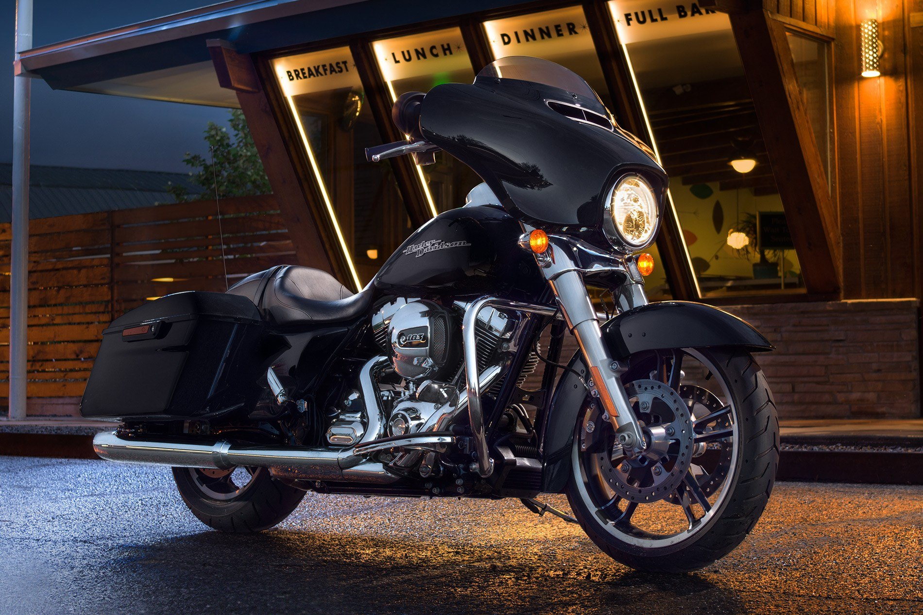 2016 Harley-Davidson Street Glide® in Richmond, Indiana