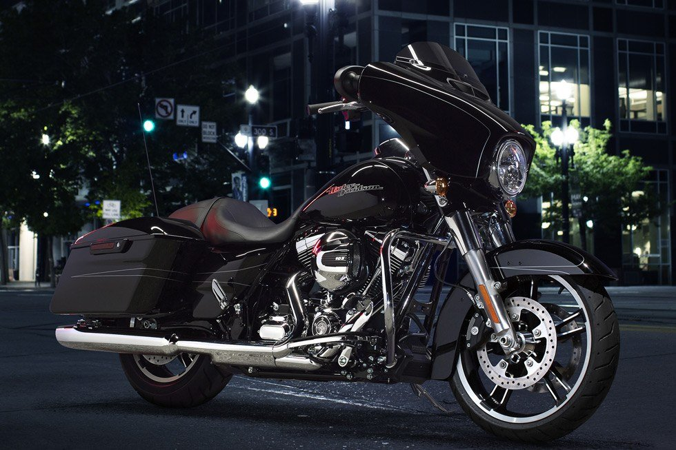 2016 Harley-Davidson Street Glide® Special in Bakersfield, California - Photo 5