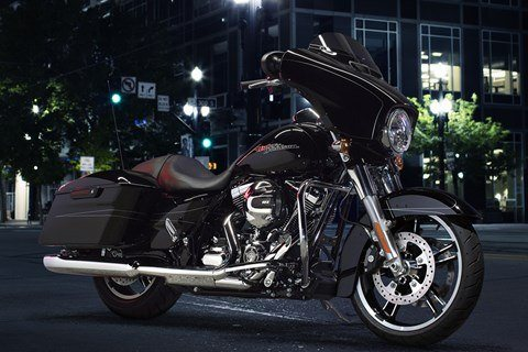 2016 Harley-Davidson Street Glide® Special in Carroll, Iowa - Photo 17
