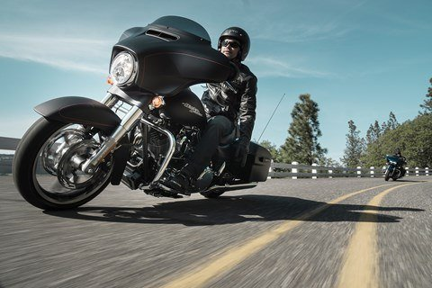 2016 Harley-Davidson Street Glide® Special in Bakersfield, California - Photo 7