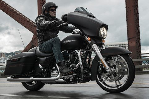 2016 Harley-Davidson Street Glide® Special in Carroll, Iowa - Photo 20