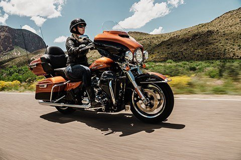2016 Harley-Davidson Ultra Limited Low in Mankato, Minnesota