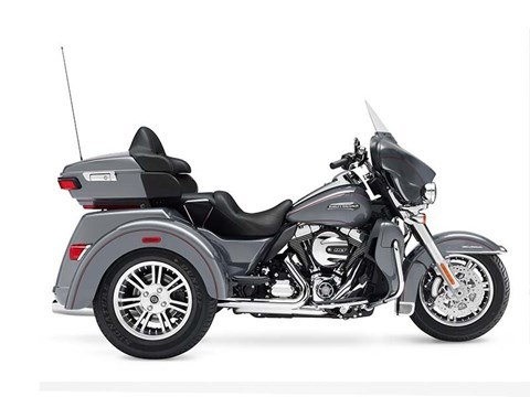 2016 Harley-Davidson Tri Glide® Ultra in Waterford, Michigan