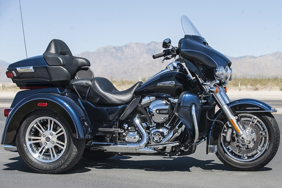 2016 Harley-Davidson Tri Glide® Ultra in Williamstown, West Virginia