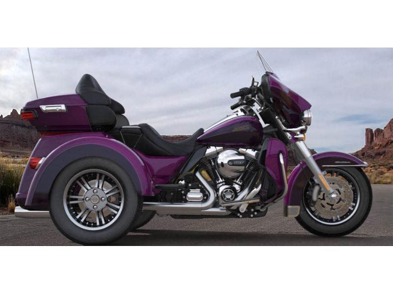 2016 Harley-Davidson Tri Glide® Ultra in Pierre, South Dakota - Photo 2