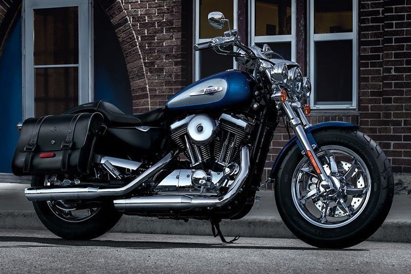 2017 Harley-Davidson 1200 Custom in Hermon, Maine