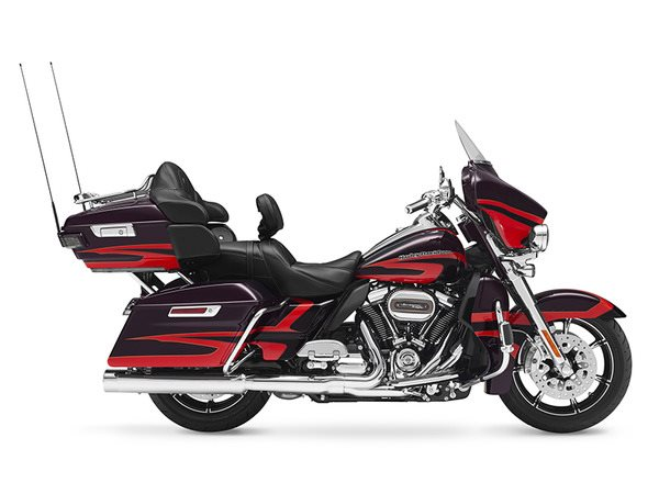 2017 Harley-Davidson CVO™ Limited® in Athens, Ohio