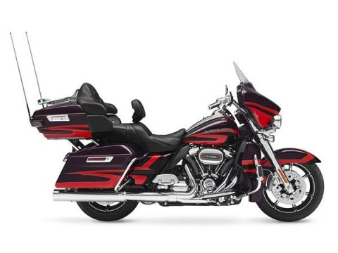 2017 Harley-Davidson CVO™ Limited® in Johnstown, Pennsylvania