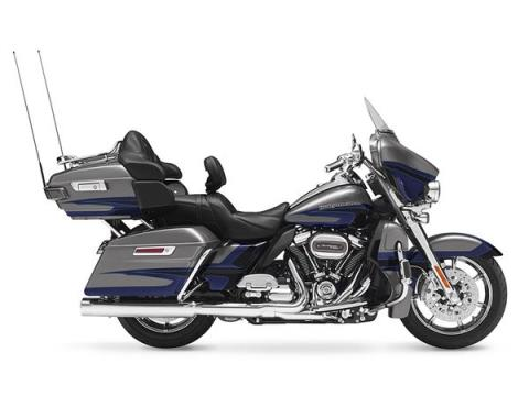 2017 Harley-Davidson CVO™ Limited® in Mankato, Minnesota