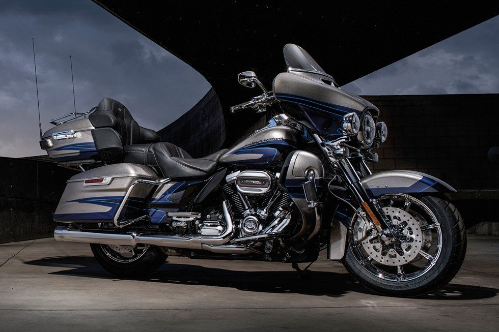 2017 Harley-Davidson CVO™ Limited® in Hermon, Maine