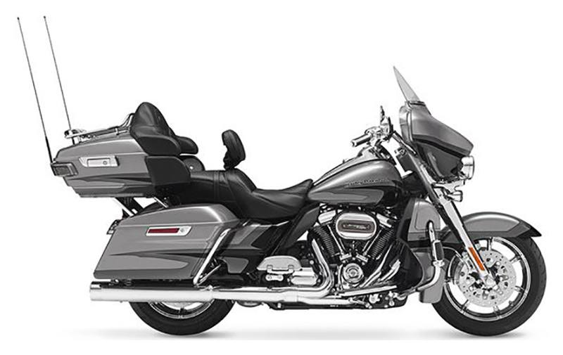 2017 Harley-Davidson CVO™ Limited® in Lake Park, Florida