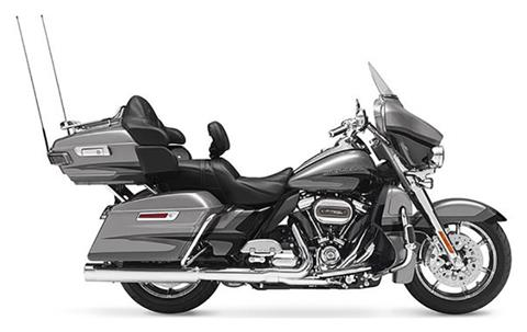 2017 Harley-Davidson CVO™ Limited in Lake Park, Florida