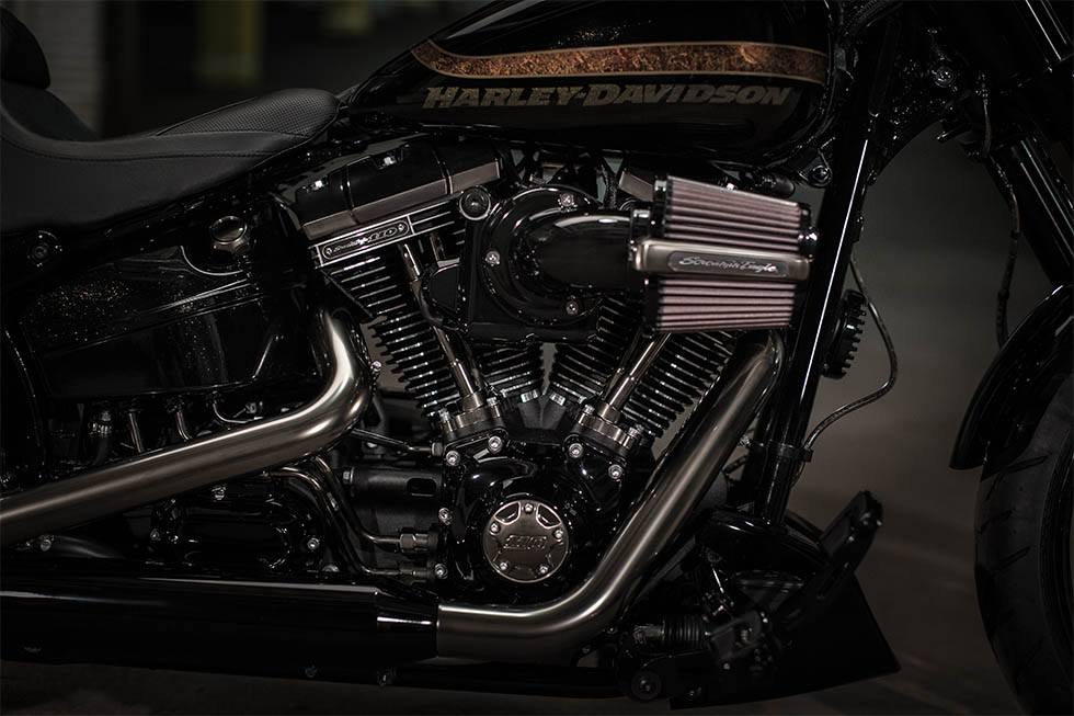 2017 Harley-Davidson CVO™ Pro Street Breakout® in Broadalbin, New York