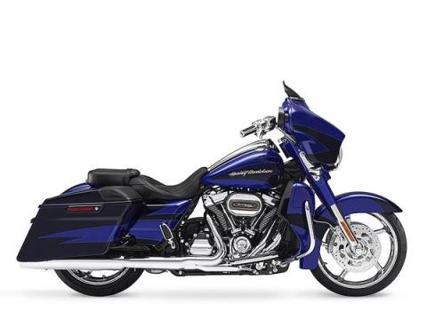 2017 Harley-Davidson CVO™ Street Glide® in South Charleston, West Virginia