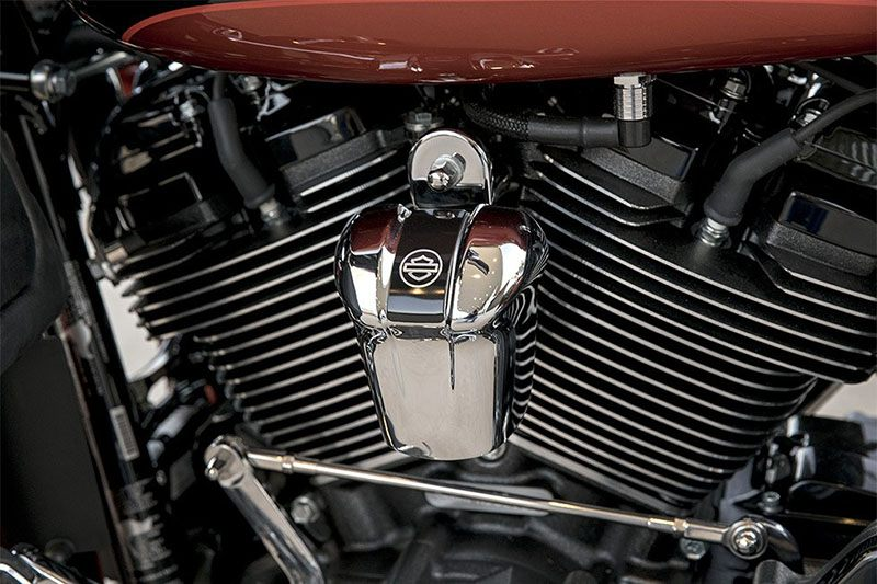 2017 Harley-Davidson CVO™ Street Glide® in Richmond, Indiana - Photo 9