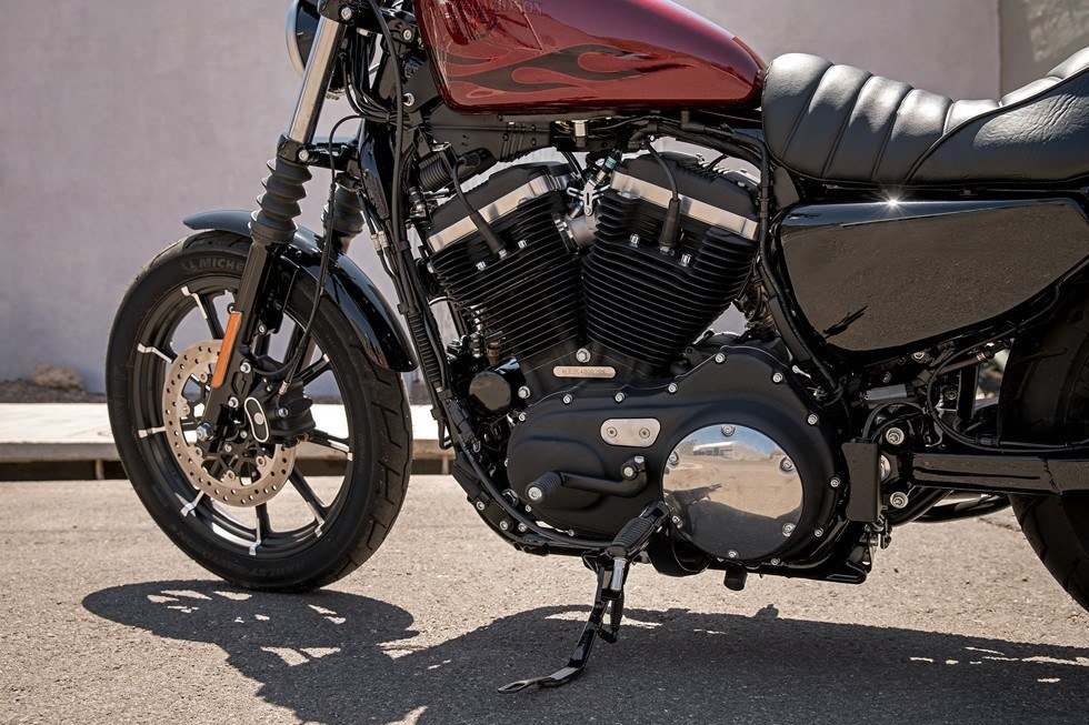 2017 Harley-Davidson Iron 883™ in Orlando, Florida - Photo 10