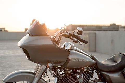 2017 Harley-Davidson Road Glide® in Mentor, Ohio - Photo 19