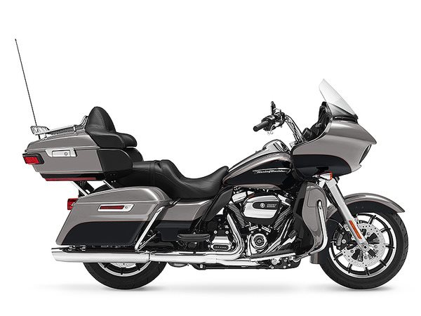 2017 Harley-Davidson Road Glide® Ultra in Rothschild, Wisconsin