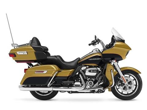 2017 Harley-Davidson Road Glide® Ultra in Scottsdale, Arizona