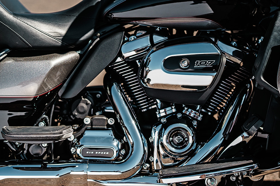 2017 Harley-Davidson Road Glide® Ultra in Marquette, Michigan