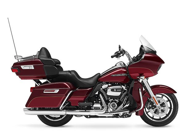 2017 Harley-Davidson Road Glide® Ultra in Mentor, Ohio