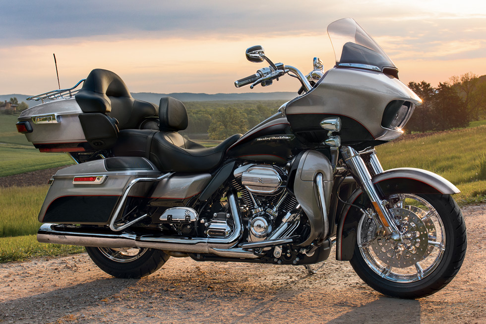 2017 Harley-Davidson Road Glide® Ultra in Pittsfield, Massachusetts