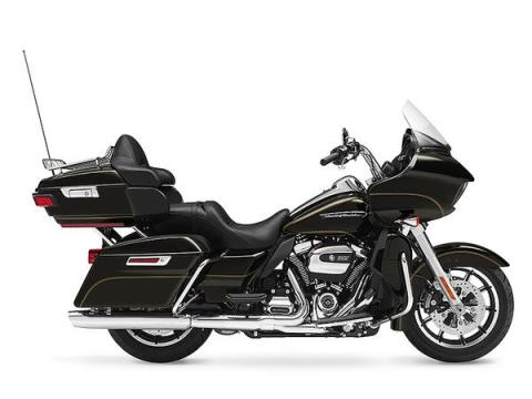 2017 Harley-Davidson Road Glide® Ultra in Hermon, Maine
