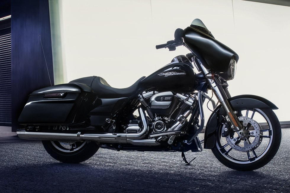 2017 Harley-Davidson Street Glide® in Dimondale, Michigan