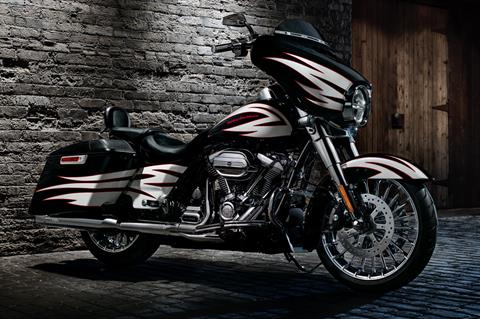 2017 Harley-Davidson Street Glide® in Pittsfield, Massachusetts