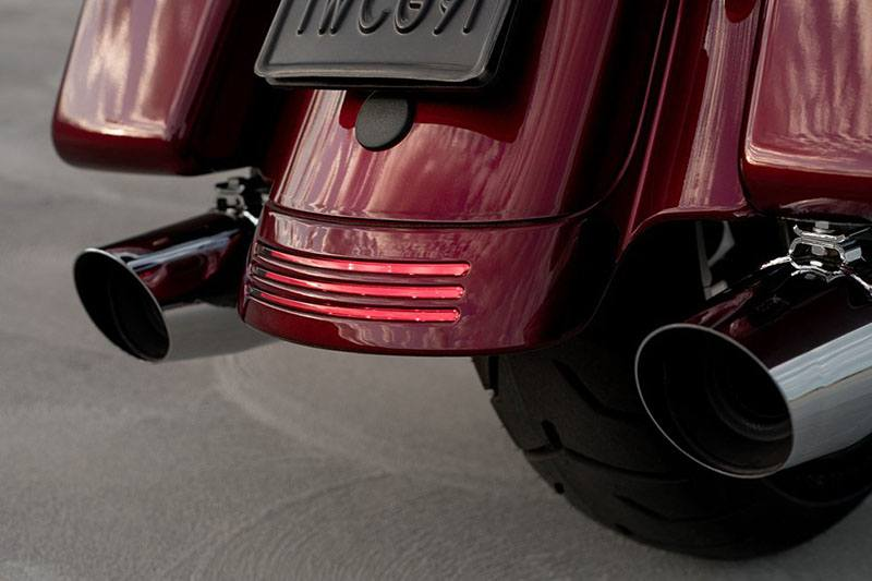 2017 Harley-Davidson Street Glide® Special in Mentor, Ohio - Photo 9