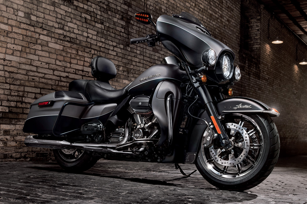 2017 Harley-Davidson Ultra Limited in Athens, Ohio