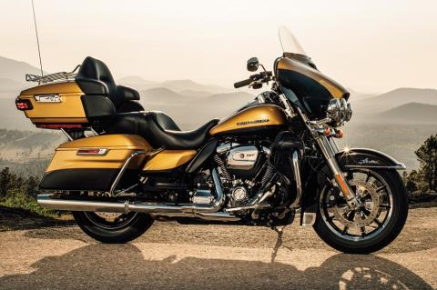 2017 Harley-Davidson Ultra Limited in Pittsfield, Massachusetts