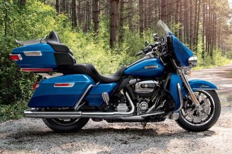 2017 Harley-Davidson Ultra Limited Low in Hico, West Virginia