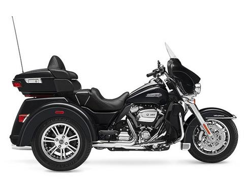 2017 Harley-Davidson Tri Glide® Ultra in Pierre, South Dakota