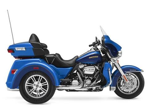 2017 Harley-Davidson Tri Glide® Ultra in Branford, Connecticut