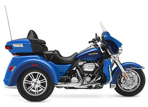 2017 Harley-Davidson Tri Glide® Ultra in Mount Vernon, Illinois