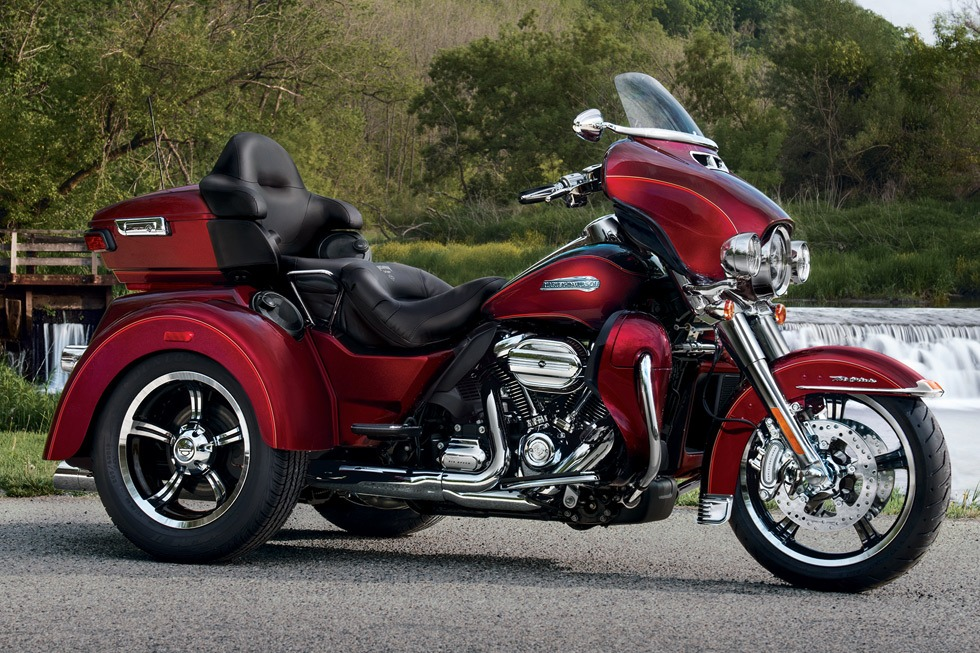 2017 Harley-Davidson Tri Glide® Ultra in Pittsfield, Massachusetts