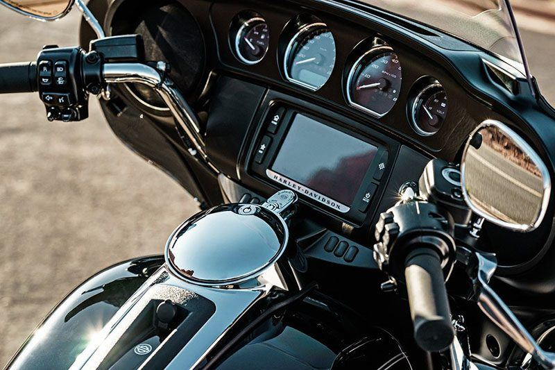 2017 Harley-Davidson Tri Glide® Ultra in Richmond, Indiana - Photo 7