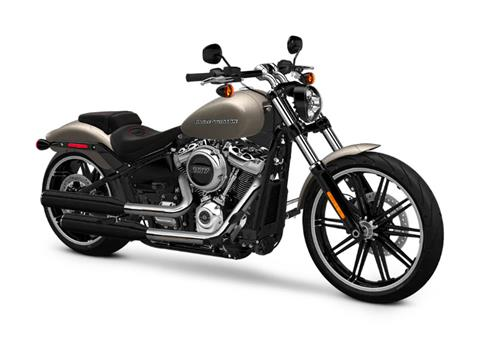 2018 Harley-Davidson Breakout®107 in Pittsfield, Massachusetts