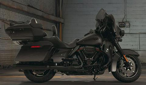2018 Harley-Davidson CVO™ Limited® in Hermon, Maine