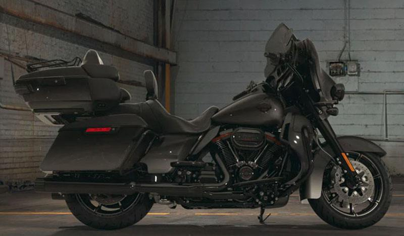 2018 Harley-Davidson CVO™ Limited in Cortland, Ohio