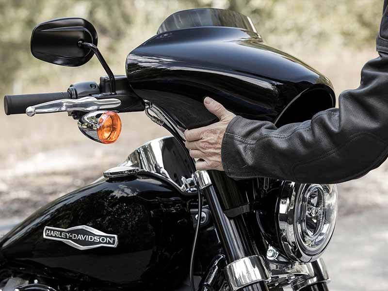 2018 Harley-Davidson Sport Glide™ in Broadalbin, New York